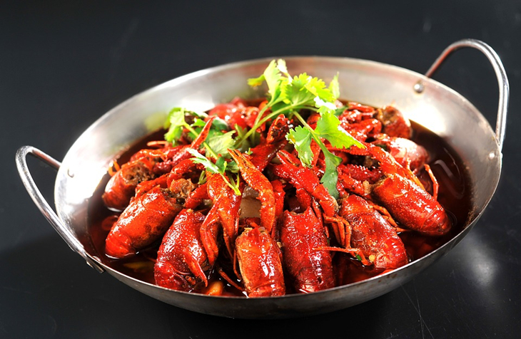 说到小龙虾,瀚哥在今年春节的时候曾经专门写过一篇文章介绍小龙虾是